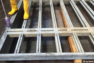 cleaning formwork panels with high pressure cleaner