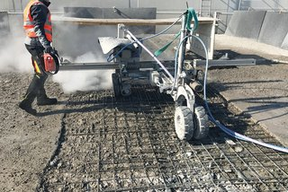 hydroblasting robot for hydrodemolition
